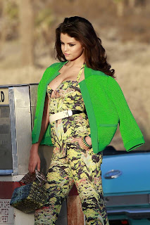 Selena Gomez-in Los Angele