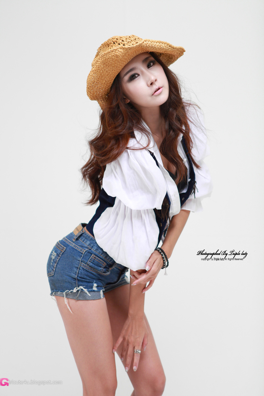 xxx nude girls: Seo Jin Ah - Sexy Leopard