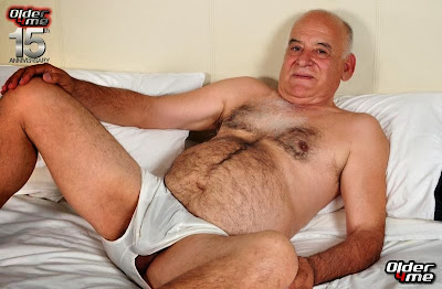 older4me - daddy bear - genaro - older gay
