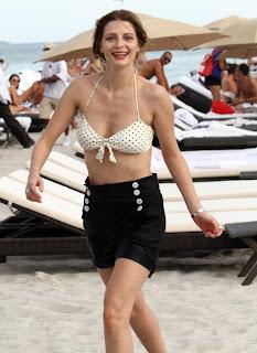 Mischa Barton Bright Bikini, Mischa Barton Hawaii Beach