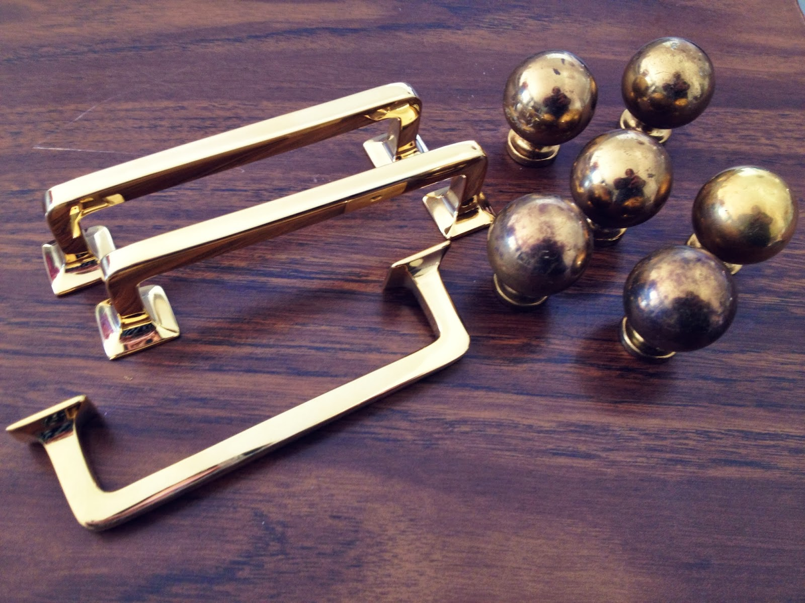 kitchen hardware! I knew I wanted to do brass hardware on the cabinets