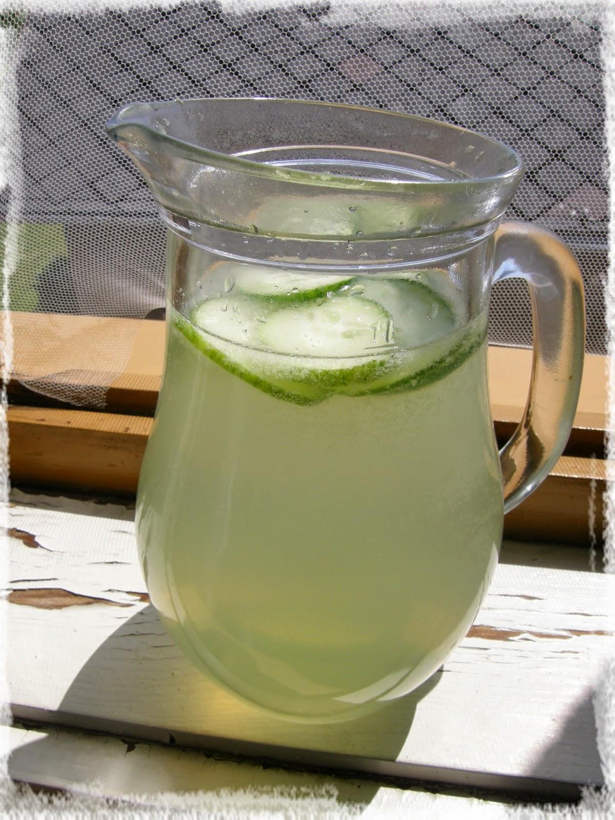 okurková limonáda v džbánu, cucumber limonade