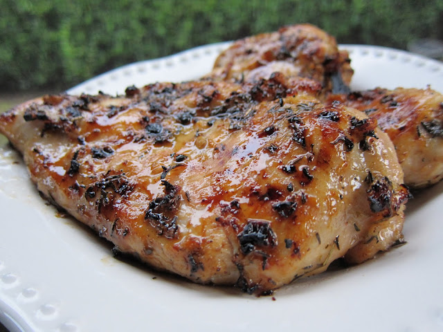Honey-Lime Grilled Chicken - chicken breasts marinated in lime juice, honey, rosemary, garlic and thyme. Grilled to perfection! This was SO good - juicy and packed full of flavor!