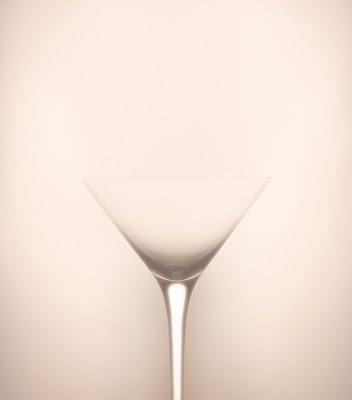 ilusión óptica de la copa que parece mujer