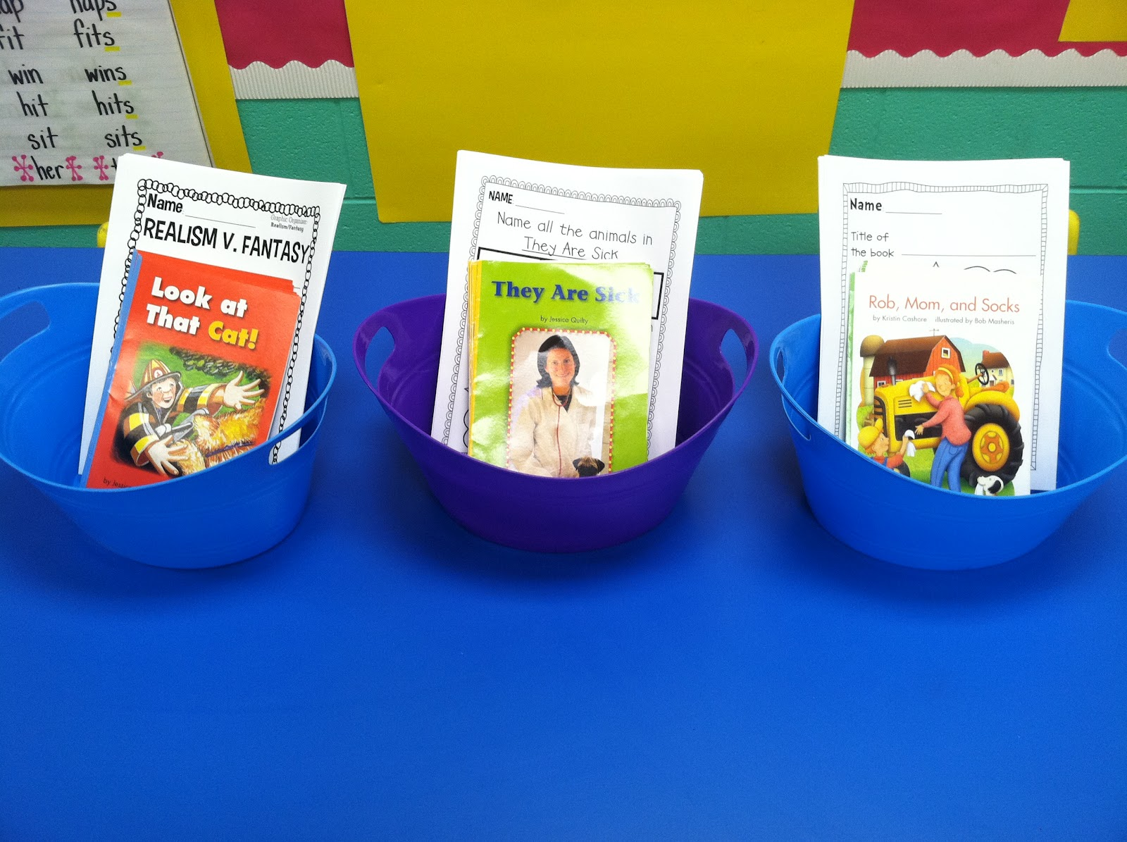 Life in First Grade: Reading Street Whole Group/Centers