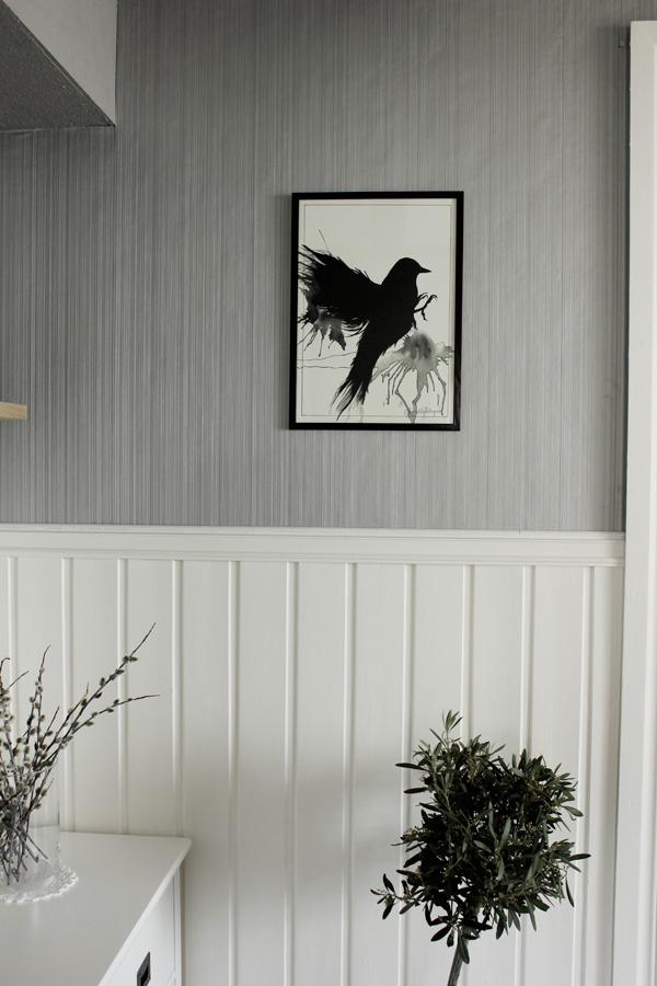 tavla A3, print fågel, svart fågel, tavla med fågel, fågel som motiv på print, artprints, posters i svart och vitt, poster, tavla med ram, tavla i vardagsrummet, snygga tavlor till vardagsrum, tavlor säljes, tavlor till salu, handmålade prints, handmålade posters, snyggt på väggen
