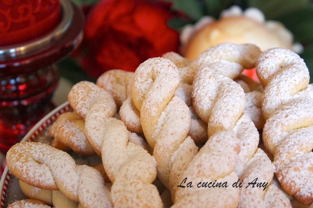 treccine greche agli agrumi (biscotti) - biscuiti grecesti