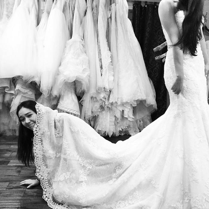 wedding blogger