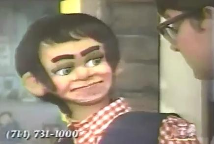 Ventrílocuo Pervertido y su Muñeco Aterrador