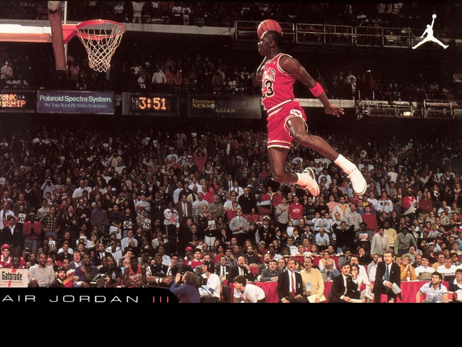 http://3.bp.blogspot.com/-JZSfk4cQC-0/UOw-ZphZi2I/AAAAAAAAxqs/pHNH-SWYfUc/s1600/Slam-Dunk-Jumping-Michael-Jordan-Chicago-Bulls-NBA-Walpapers-HD.jpg