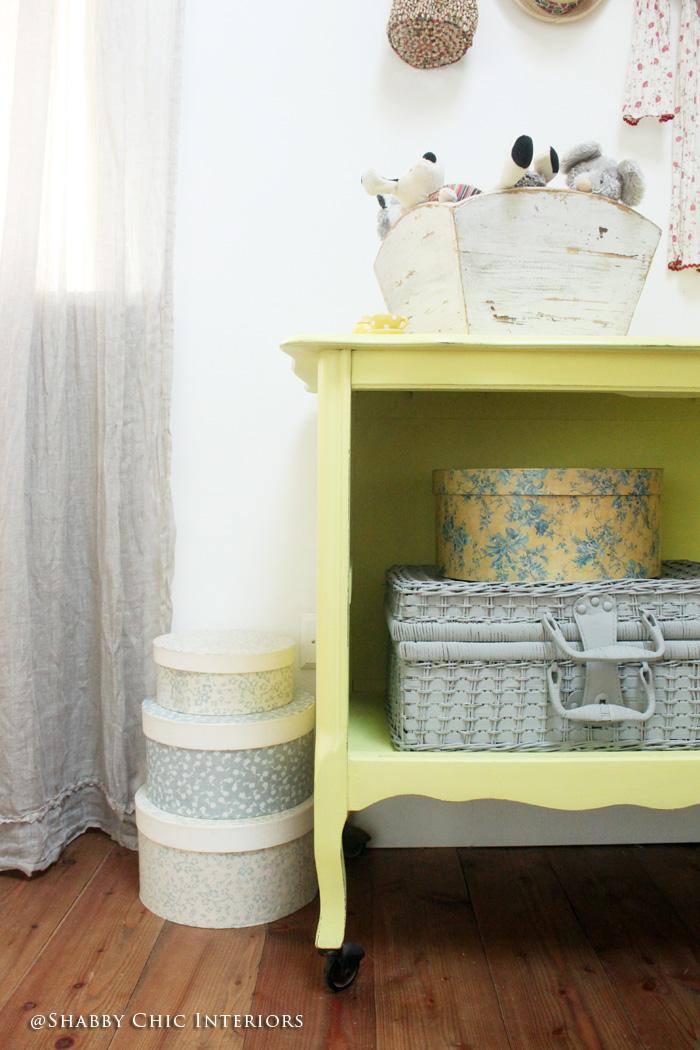 Un tocco di colore giallo   shabby chic interiors