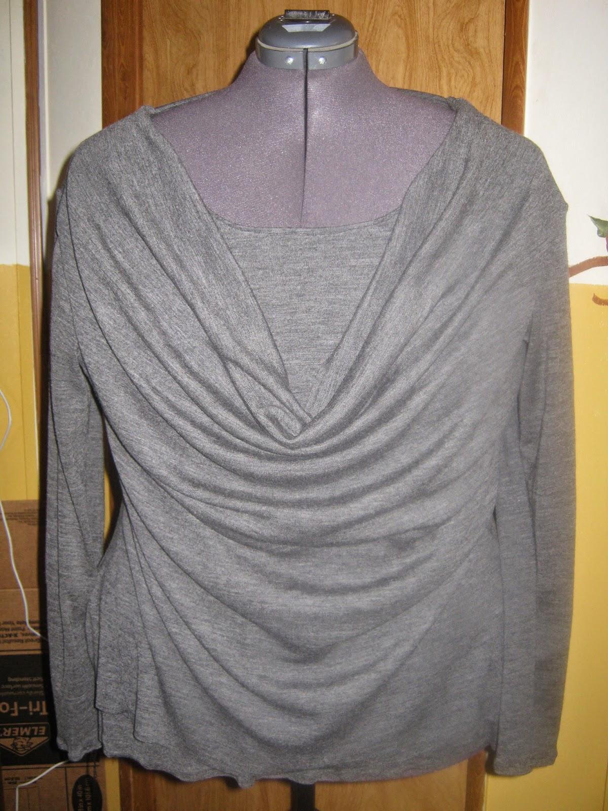 grey knit cowl neck top www.sewplus.blogspot.com