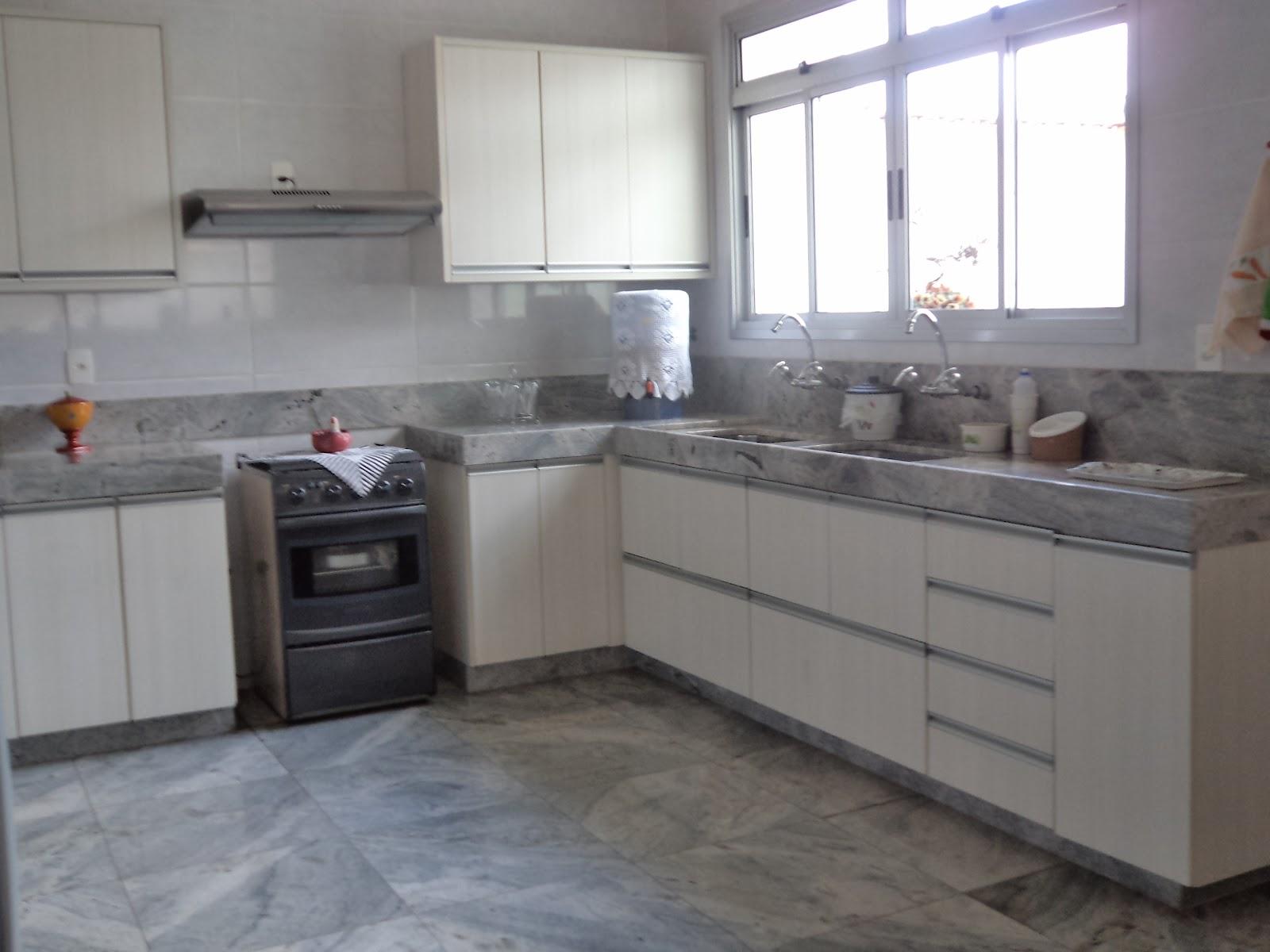 Outro lado da cozinha daqui de casa apesar de gostar de cores mais  #586074 1600 1200