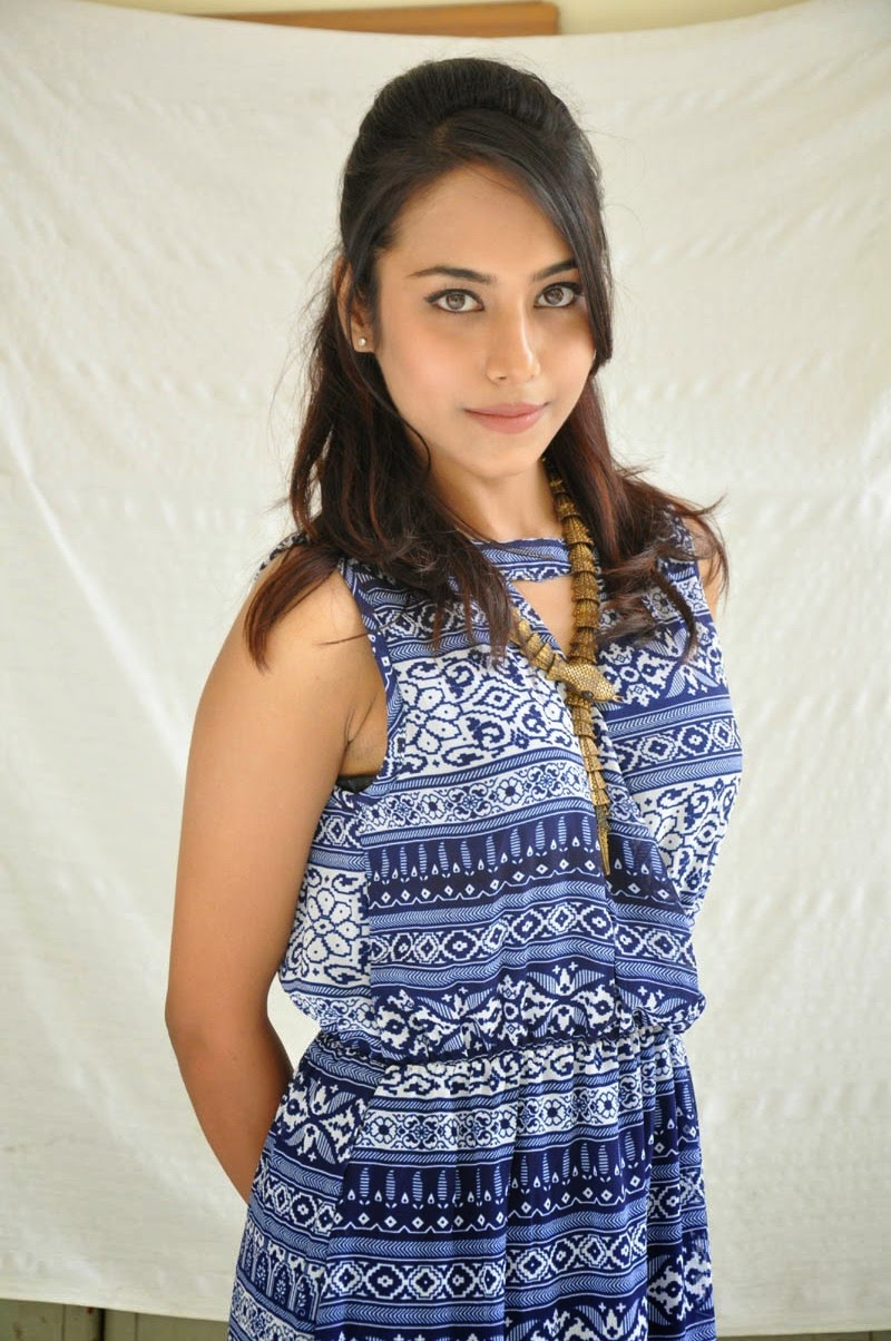 Khenisha Chandran at Jaganatakam press meet-HQ-Photo-5
