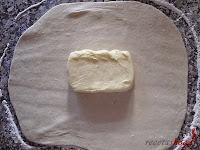 Hojaldre casero-mantequilla en el centro