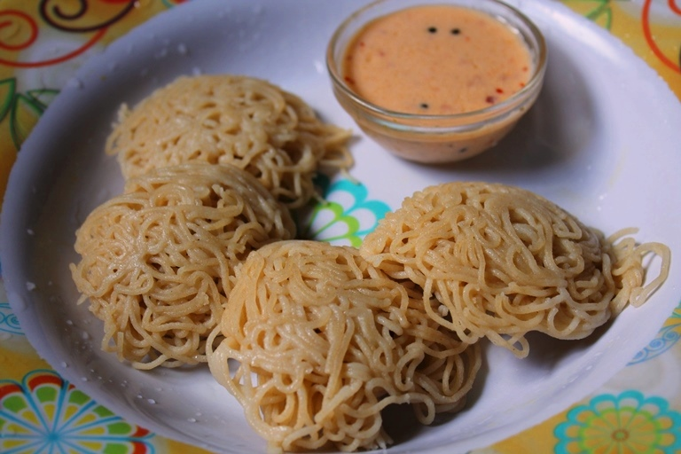 wheat idiyappam recipe / gothumai idiyappam recipe / wheat flour string hoppers recipe