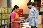 O Manishi Katha Movie Photos Gallery-thumbnail-4