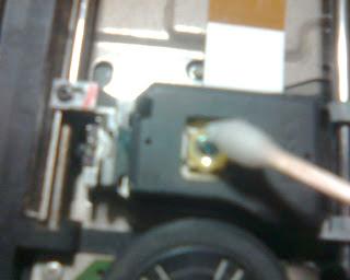 Langkah - Langkah Memperbaiki Optik PS2 (9)