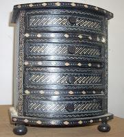 dresser batik