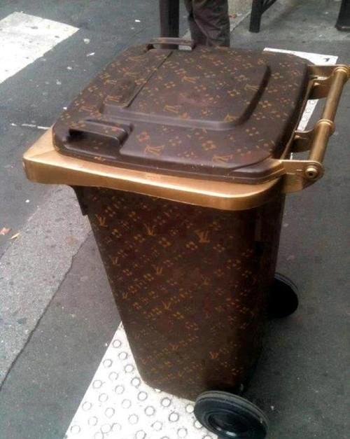 Tong Sampah LV