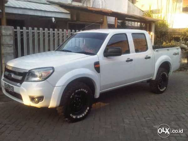 Ford Ranger Double Cabin 2009 Ford Bekas Barang Second