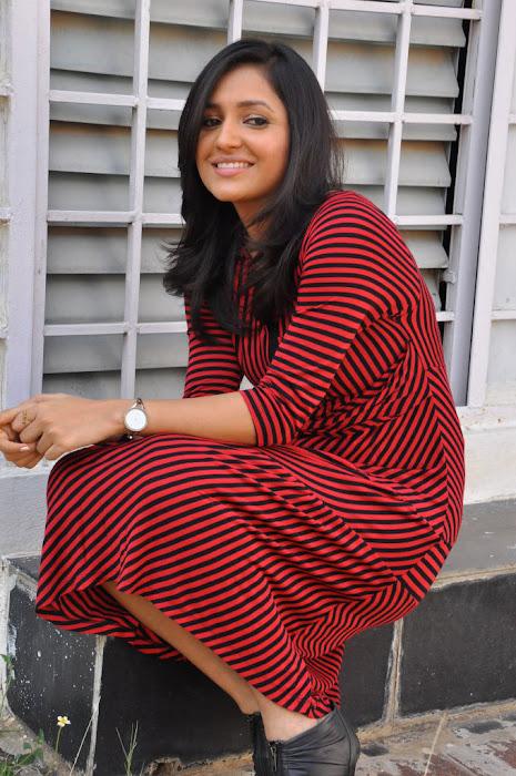sarayu new , sarayu actress pics