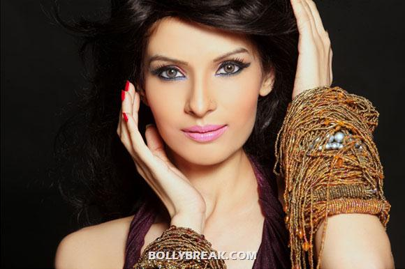 Saeeda Imtiyaz Hot Pics - Pakistani Actress In Bollywood