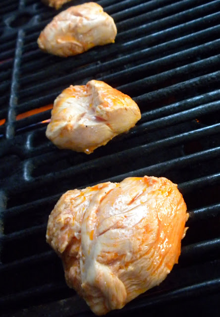 grilling marinaded chicken