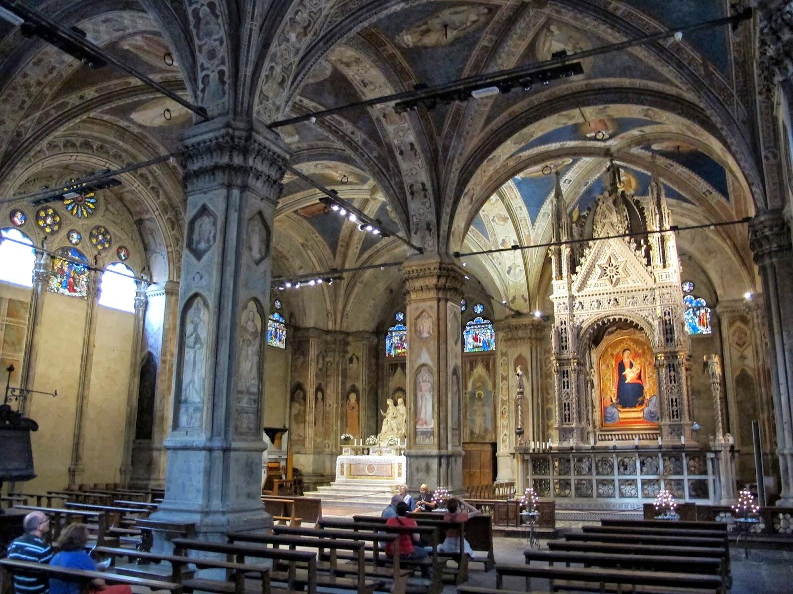 Arte antica e dintorni da granaio a chiesa for Interno chiesa