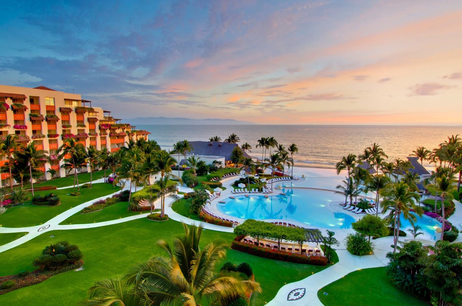 Luxury hotels grand velas riviera maya for Luxury exclusive hotels