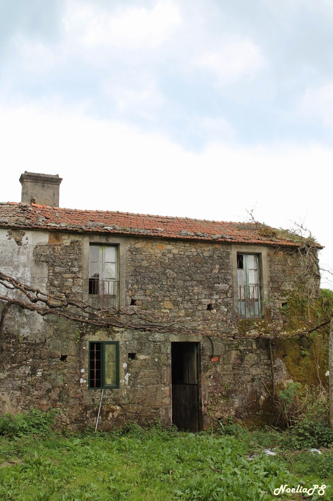 Abandonado olvidado y en ruinas casa r stica - Piedra rustica gallega ...