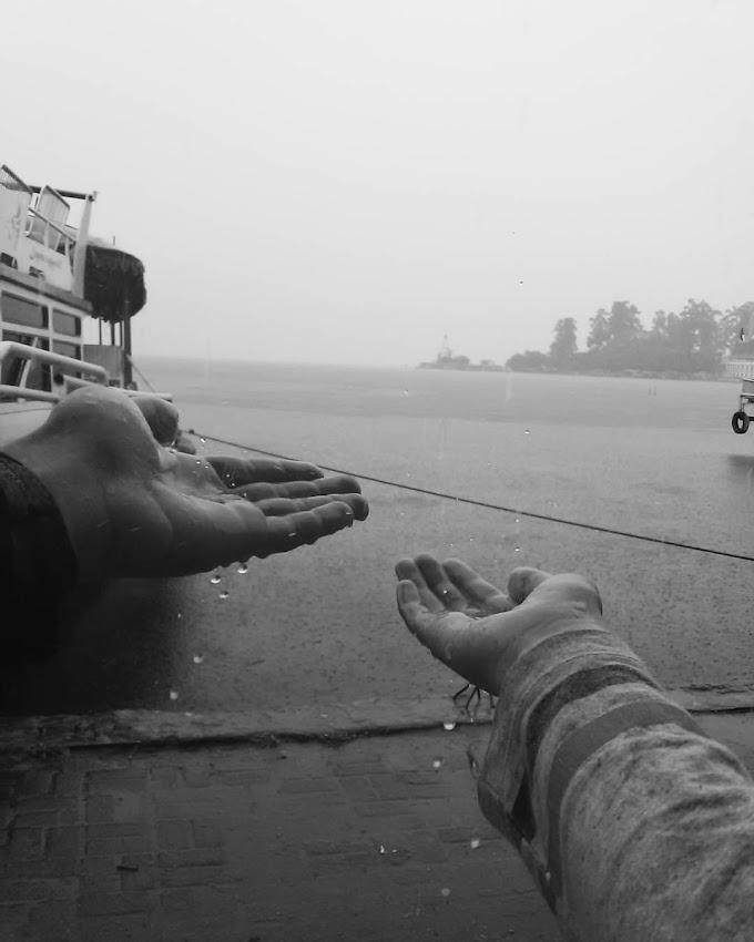 Tangan Yang Menampung Hujan