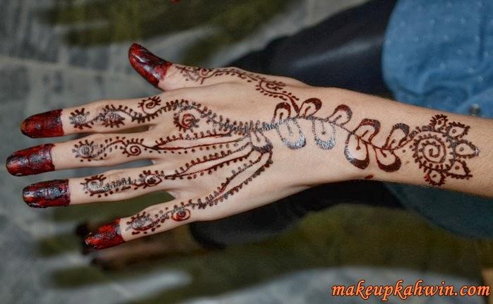 ... gambar ukiran inai cik nurul bagi majlis perkahwinannya corak inai ini