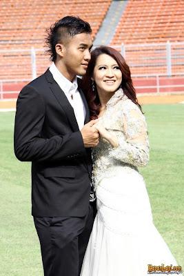 Pre-wedding Okie Agustina dan Gunawan Dwi Cahyo di GBK