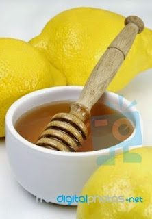 honey-with-lemon-for-cure-cough