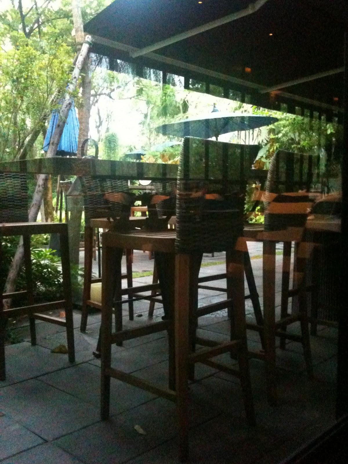 nunthanon t happy time at 99 rest backyard cafe u0027