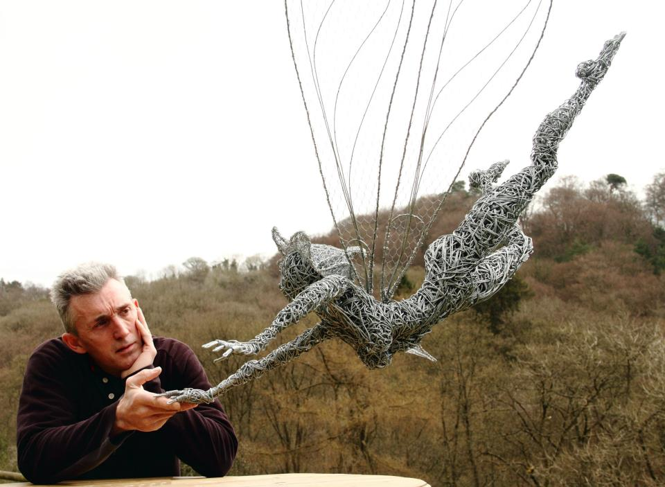 Robin Wight |Wire sculpture Fairies - Art People Gallery