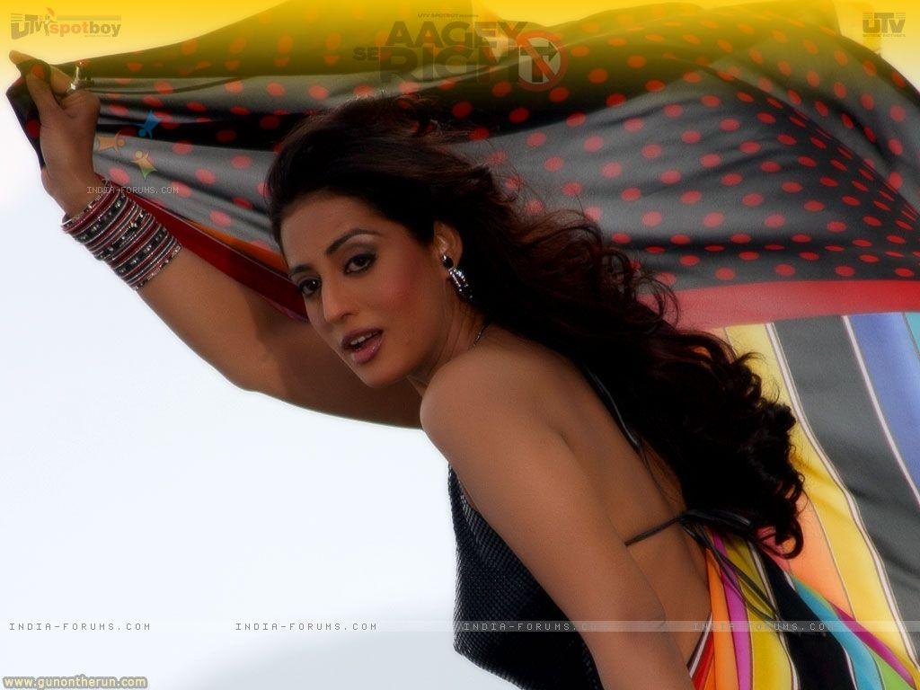 http://3.bp.blogspot.com/-Jb_bHhMQvOY/TvKRbvco_1I/AAAAAAAAC9c/GcEL1mlTe8g/s1600/15487-mahie-gill-looking-gorgeous-in-sari.jpg