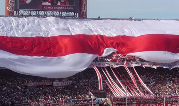 River Plate tiene la bandera más larga del mundo