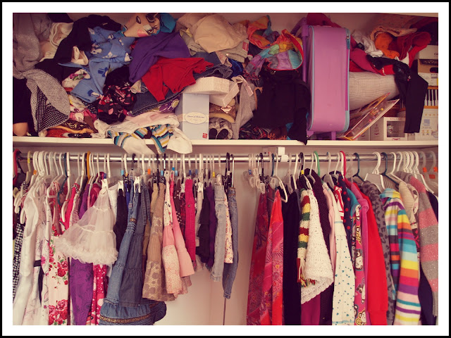 how to organize a messy closet