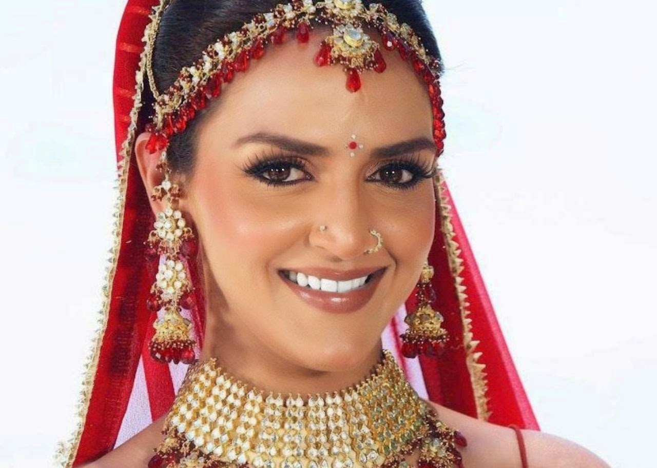 Bridal wearing images of Esha Deol