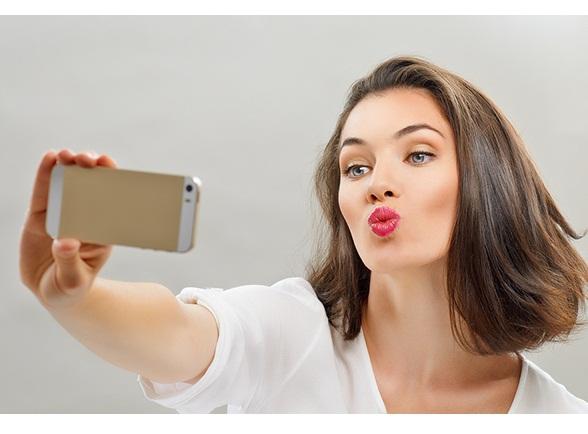 Tips Agar bibir Terlihat Sensual Layaknya Artis