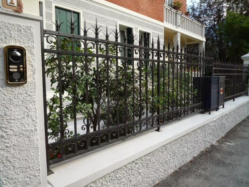 Recinzioni Da Giardino In Ferro : Recinzioni da esterni recinzioni e ringhiere da esterno in ferro