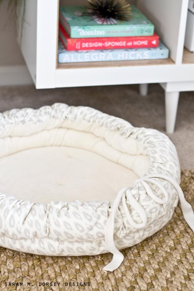 Sarah M Dorsey Designs DIY Christmas Gifts DIY Pet Bed