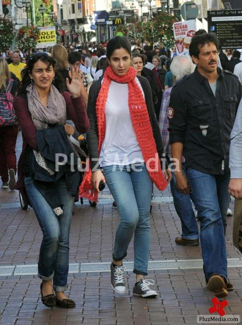 Katrina Kaif  - Katrina Kaif shopping in Dublin