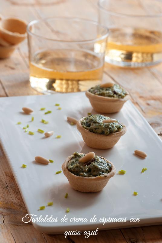 tartaletas de crema de espinacas con queso azul