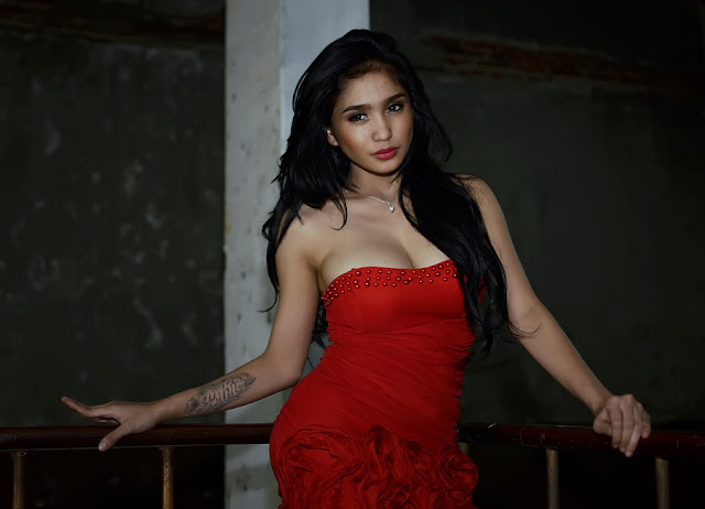 Bibie Julius in Sexy Red Dress