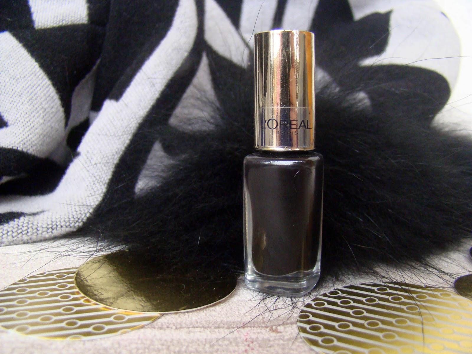 Vernis Black Swan L'Oréal Color Riche 702