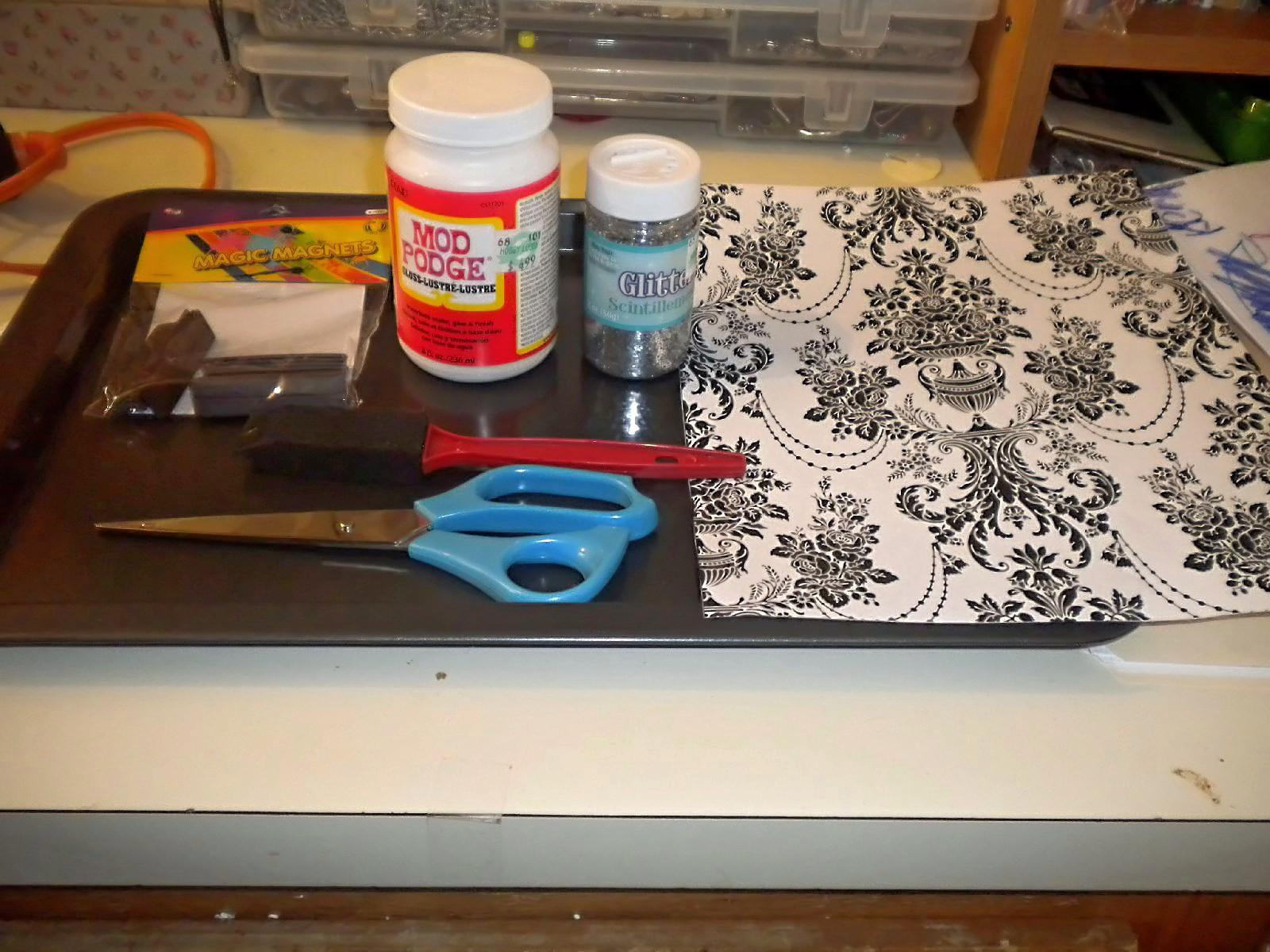 Leslie Marquez Designs Diy Magnetic Makeup Organizer How To Build Gun Monday June 18 2012
