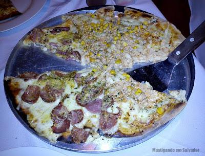 Pizza Nostra: Pizza meia Frango com Catupiry meia Nostra